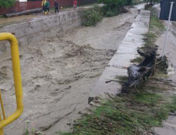 10 comune afectate de inundaţii vor primi aproape 10 milioane de lei. 9 Primării au trimis documentaţii incomplete