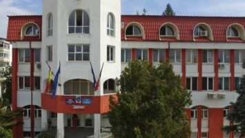 Unitatea Administrativ Teritorială Curtea de Argeş poate avea maxim 217 angajaţi