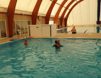 Record de clienţi la bazinul de înot